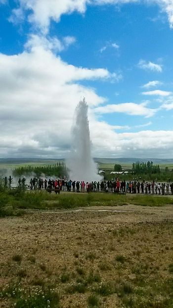 Geysir Island Islanda People Taking Photos Beautiful Nature