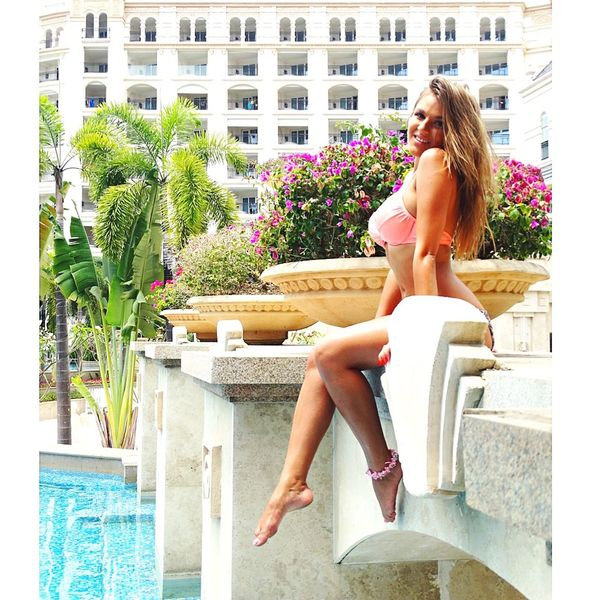 Nice Atmosphere Beautiful Surroundings View Pool Holiday Relaxing Throwback Today's Hot Look Meow Beautiful Girl