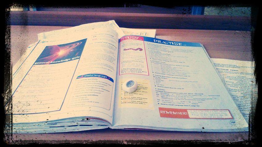 Больше никогда не буду писать в учебниках!:@