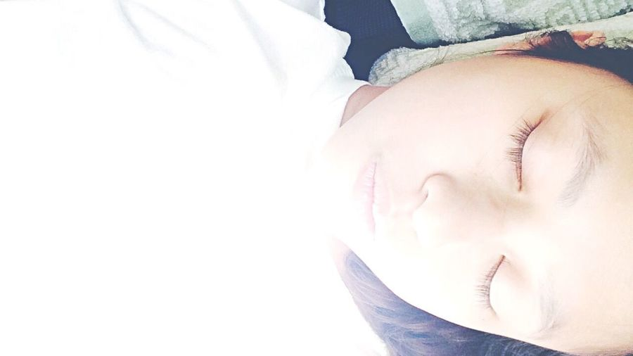 Relaxing Tuesday... Lying on bed and doing nth <3 Girl Dailyphoto Selfie Snapshot