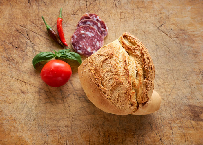 Bread Close-up Cutting Board Day Food Food And Drink Freshness Healthy Eating Indoors  Loaf Of Bread No People Red Table Tomato Wood - Material