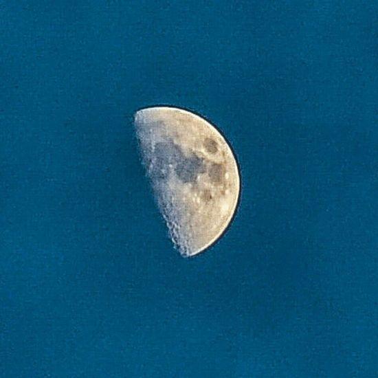 Beautiful moon. Moon Moonlight Amazing Bluesky Craters Space Longlens Steady Nofilter Photography Lovetotakepictures Getoutside OutsideIsFree Beautiful Nikonphotography Nikon D7000 Professional Photographer Hamiltonontario Photograph Rrhurstphotography Latowphotographersguild