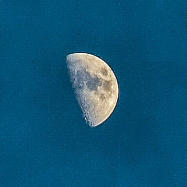 Beautiful moon. Moon Moonlight Amazing Bluesky Craters Space Longlens Steady Nofilter Photography Lovetotakepictures Getoutside OutsideIsFree Beautiful Nikonphotography Nikon D7000 Professional Photographer Hamiltonontario Photograph Rrhurstphotography Latowphotographersguild