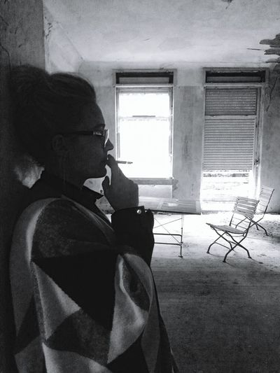 Indoors  Table Side View Window Blackandwhite Schwarz & Weiß Handyphoto Hanging Out Old Buildings Smoking Girl Smoke Fun BELIVE IN YOUR DREAMS