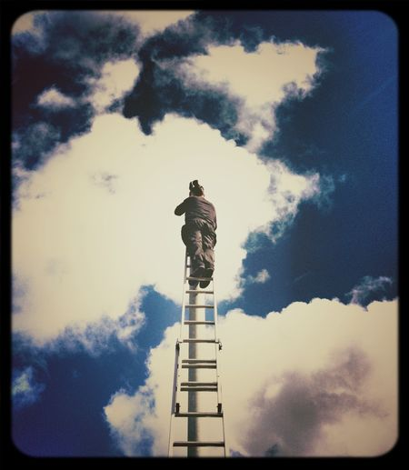 Up here, folks, heaven's not that far. Light And Shadow Eye4photography  AMPt_POTD NEM Clouds