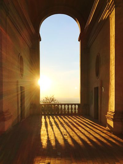 The Arc Meditation Focus Chill Chilling Pacefull 1500 Italian Architecture Villa Reinessance Architecture Sky Sunlight Built Structure Nature Sunset Sun Arch Shadow No People Outdoors Building History Sunbeam Architectural Column The Architect - 2018 EyeEm Awards