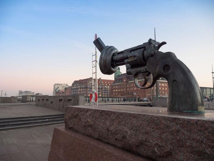 Gun Malmö No War Pease Sky Sweden War