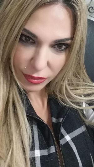 Busy at the office 😉 To inspire other's Checkout my website at... http://anastasiaverkos.com My Office Working Hard Instyle Selfie My Desk At Work Busy Day Exhausted Home Sweet Home Have A Nice Day♥ Fashionista Love Fashion