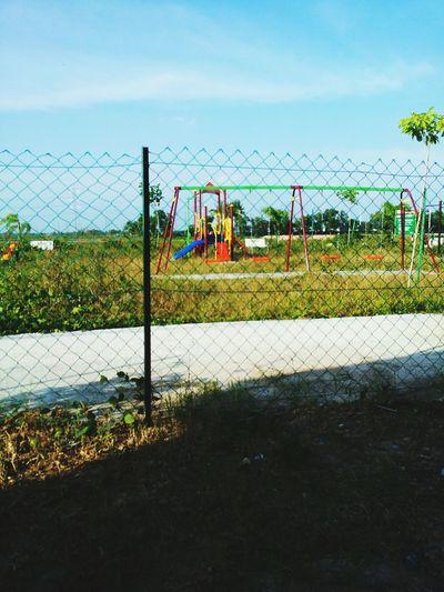 playground Semak Rumput Tamanbaru