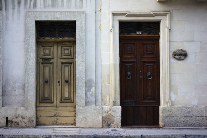 Architecture_collection Architecturelovers Building Exterior Decide Decision Decisions Desicions Door Make A Decision Malta Malta Architecture Malta City Malta Streets Malta, Valletta, Lovers, Preety Peoples, Nature Sea, Islands, Ferry Malta<3 Maltaphotography Maltascapes Malta♥ Residential Building South European Architecture Two Doors Two Entrances Valletta Valletta Architecture Valletta,Malta