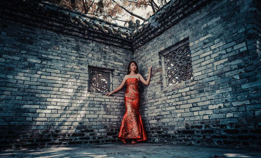 Beautiful Lady in RED Beautiful Red Bridal Chinese Wedding Chongsam Model Photography Portrait