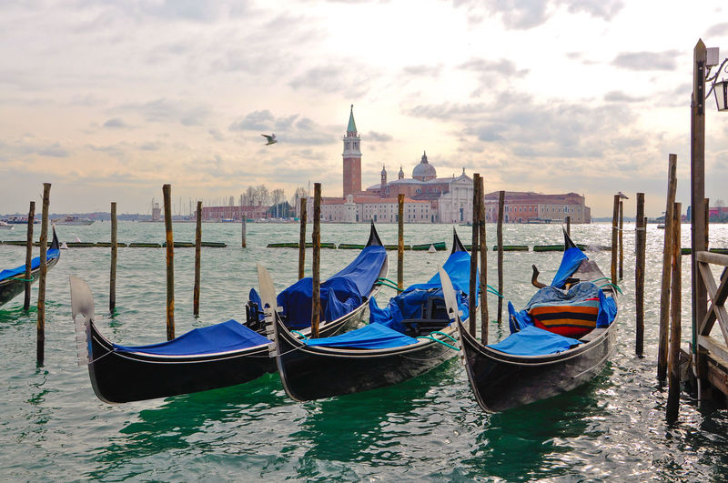 Architecture Building Exterior Canal Carnival Carnival Crowds And Details Carnival Spirit Cernival Of Ven Church Cultures Day Gondola Gondola - Traditional Boat Green Water Italy Moored Outdoors San Marco San Marco Venezia Sea Travel Travel Destinations Venezia Venice Venice Crow Water