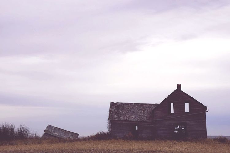 Canada Coast To Coast Abandoned Farmhouse Abandoned & Derelict Rural Scenes Check This Out Hello World Prairie Barn Architecture Canada EyeEm Gallery History