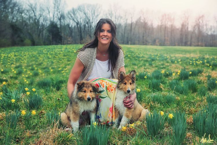 Collie Siblings Daffodil Moms & Dads Young Women Friendship Pets Flower Portrait Smiling Beauty Happiness Rural Scene Cheerful Wildflower