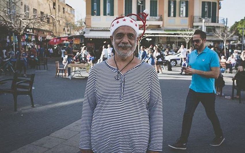 Where can i get this hat?! Grgrsk Streetphotography Israel City Telavivcity Telaviv Funnyguy Wtfisthis