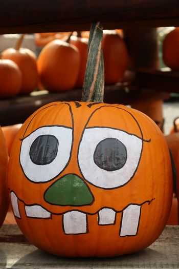 Kürbis Halloween Art And Craft Pumpkin Creativity Close-up Orange Color Representation Halloween No People Human Representation Craft Focus On Foreground Anthropomorphic Face Anthropomorphic Celebration Face Indoors  Still Life Food And Drink Orange