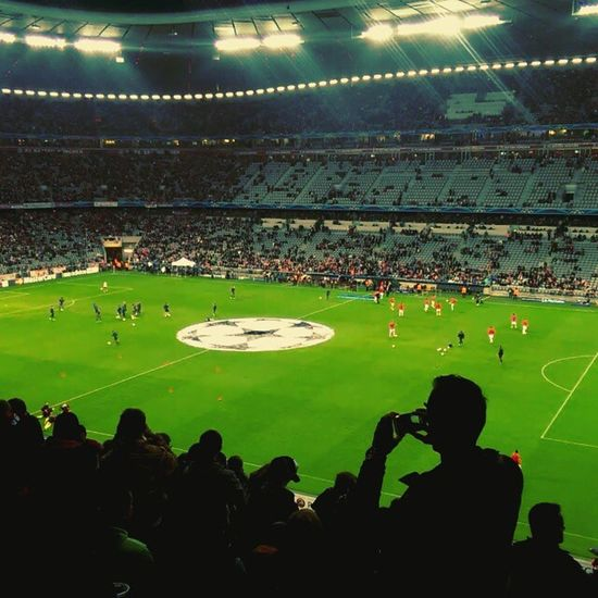 Greetings from the Allianz Arena and thanks to HTC for the kind support. #FCBayern #MiaSanMia Sponsoring Message: Instagram Zoe was recorded with an HTC One max. ;-) Fcbayern Miasanmia