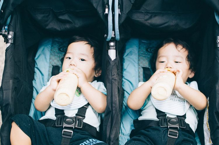Hanging Out Check This Out Taking Photos TWINS ♥ Twins Twin Babies Baby Photography Baby Eating Breakfast Babyboy Babys