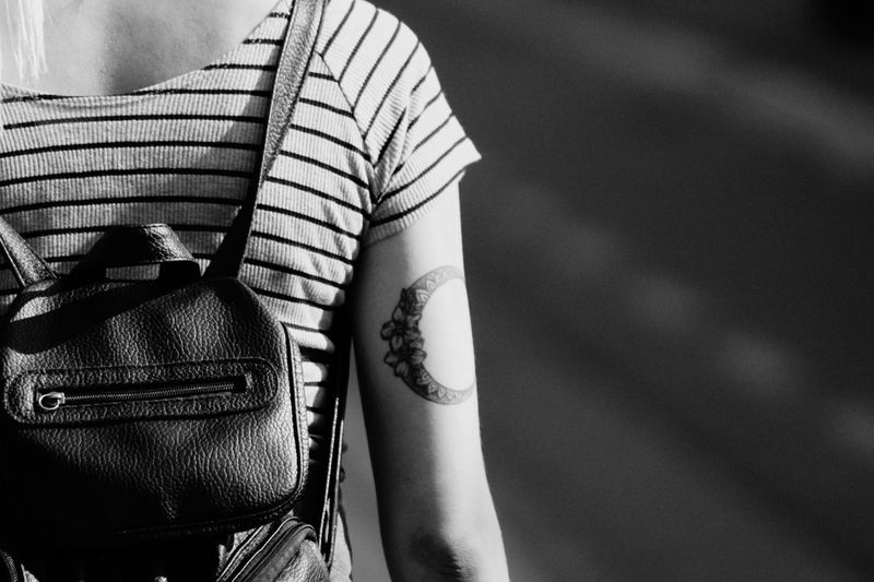 Tatto girl Friday Street Bag Blackandwhite Girl Lends Landscape 1300d Canon RiseUp Outdoors Sun Tattoo Day Adult People