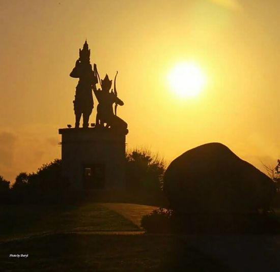 Hi! Hello World Good day dear Friends Have a blessed Tuesday ahead! Stay safe with much❤ Taking Photos Check This Out Traveling Nusaduabeach Bali, Indonesia EyeEm Best Shots - Nature EyeEm Nature Lover EyeEm Best Shots - Sunsets + Sunrise Sunrise Sunrise_Collection Sunrise_sunsets_aroundworld Nature Eye4photography  Statue Silhouette Statues In The Park