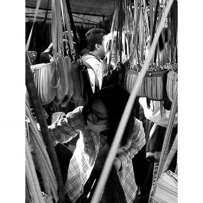 Diantara Ekspresi dalam Ceritapagi Pasar Sunmor UGM Yogyakarta INDONESIA Indah Thebeautyofindonesia Trip to Jogja Istimewa Lenovotography Blackandwhite Pocketphotography Photostory Lzybstrd Journey