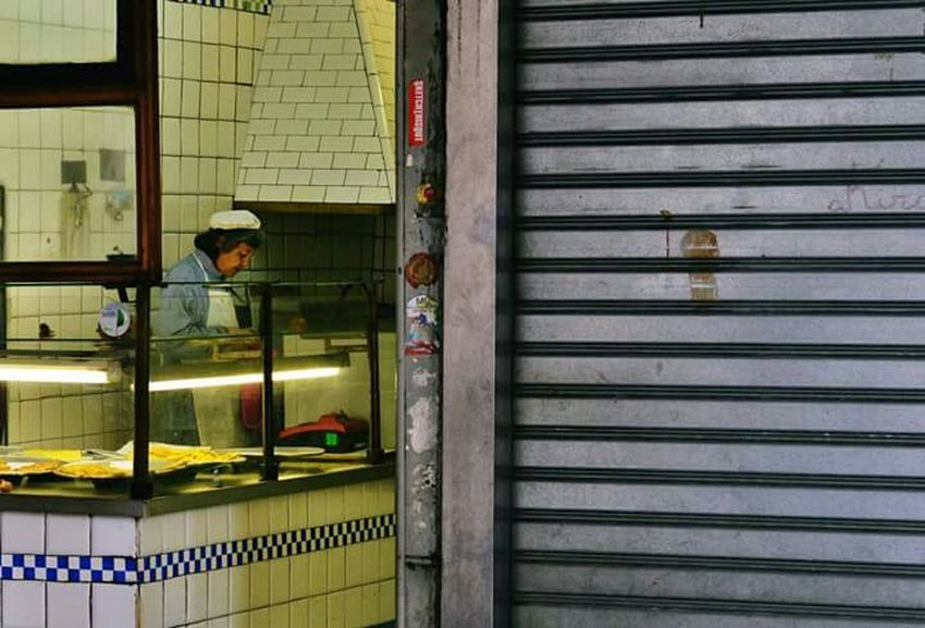 Genova Sottoripa Bottega Street Photography
