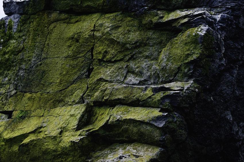 Instagram - @sonjabelle Moss in stone BBasalt Rock FormationsPPerspectives On NaturebBasalt And LimestonebBasalt ColumnsbBasalt FormationsbBasalt RockbBasaltic RockbBeauty In NaturegGeologymMossmMoss In StonemMoss-coveredNNatureRRockrRock - ObjectRRock FaceRRock FormationTTextured