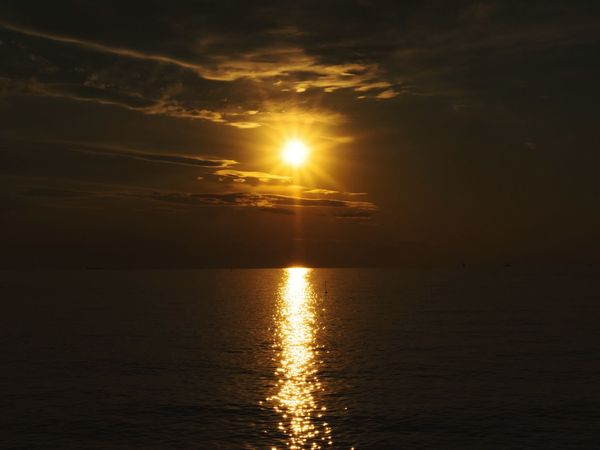 Sunset Sun Reflection Water Gold Colored Sea Scenics Nature Outdoors No People Cloud - Sky Beauty In Nature Sunlight Vacations Sky Beauty Horizon Over Water Tranquil Scene EyeEmNewHere An Eye For Travel