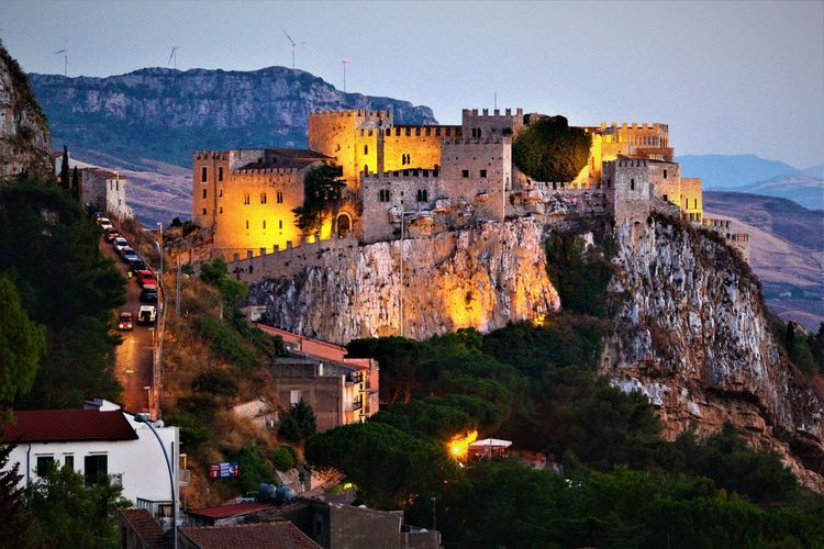 Outdoors Mountain No People Travel Destinations Day Nature Sky Building Exterior Architecture Beauty In Nature Caccamo Palermo, Italy Sicily City Old Lamp Scenics Tramonto Imagine Destination The Best Moment Of The Day Looking At Camera Architecture Castel Yellow