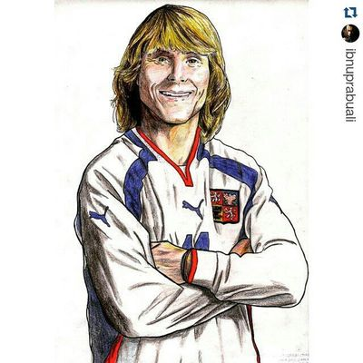 Repost @ibnuprabuali with @repostapp ・・・ Instasize Art Illustration Drawing Draw Picture Photography Artist Sketch Sketchbook Paper Pen Pencil Artsy Instaart Gallery Masterpiece Creative Instaartist Graphic Graphics Artoftheday Football Soccer czech legend pavelnedved nedved czechrepublic