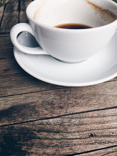 Coffee Coffee Cup Coffee Time Cup Saucer Refreshment No People Food And Drink Coffee - Drink Table Wooden Table Wood - Material Close-up Food Drink Empty Cup Of Coffee Empty Cup I Need Coffee ☕️ Still Life Practical Things Pottery Art Minimalist Photography