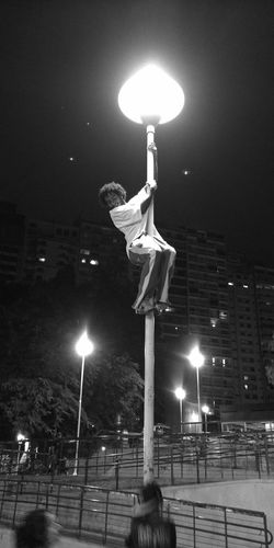"01:22 am in #saopaulo ""The Climber 03"" a late post by @rodrigobw/@rodrigomcv as part of the The24HourProject 24hr14 Streetphotography The Street Photographer - 2014 EyeEm Awards The Human Condition"