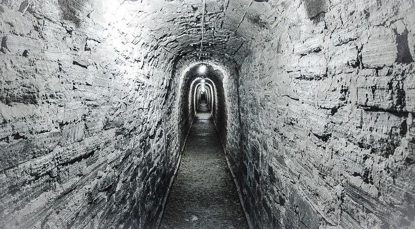 Tunnels Tunnel Passage Underpass Corridor Passageway Underground Undergroundpassage Shaft