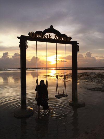 Beachphotography Sunset Silhouettes Sunsetporn Lombok Enjoying Life Gili Trawangan Sunset_collection Sunsetview