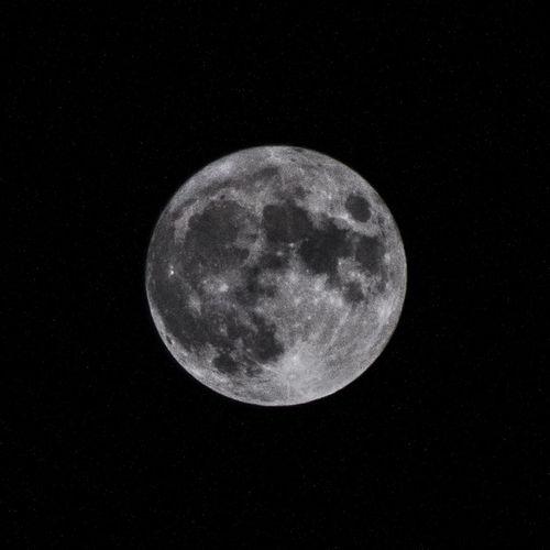 Beauty In Nature Dark La Luna Moon Moon Shots Night No People Outdoors