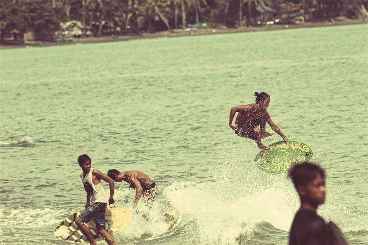 Floater. Wave