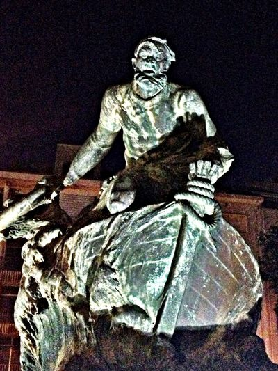 EyeEm Porto Nightphotography Statue