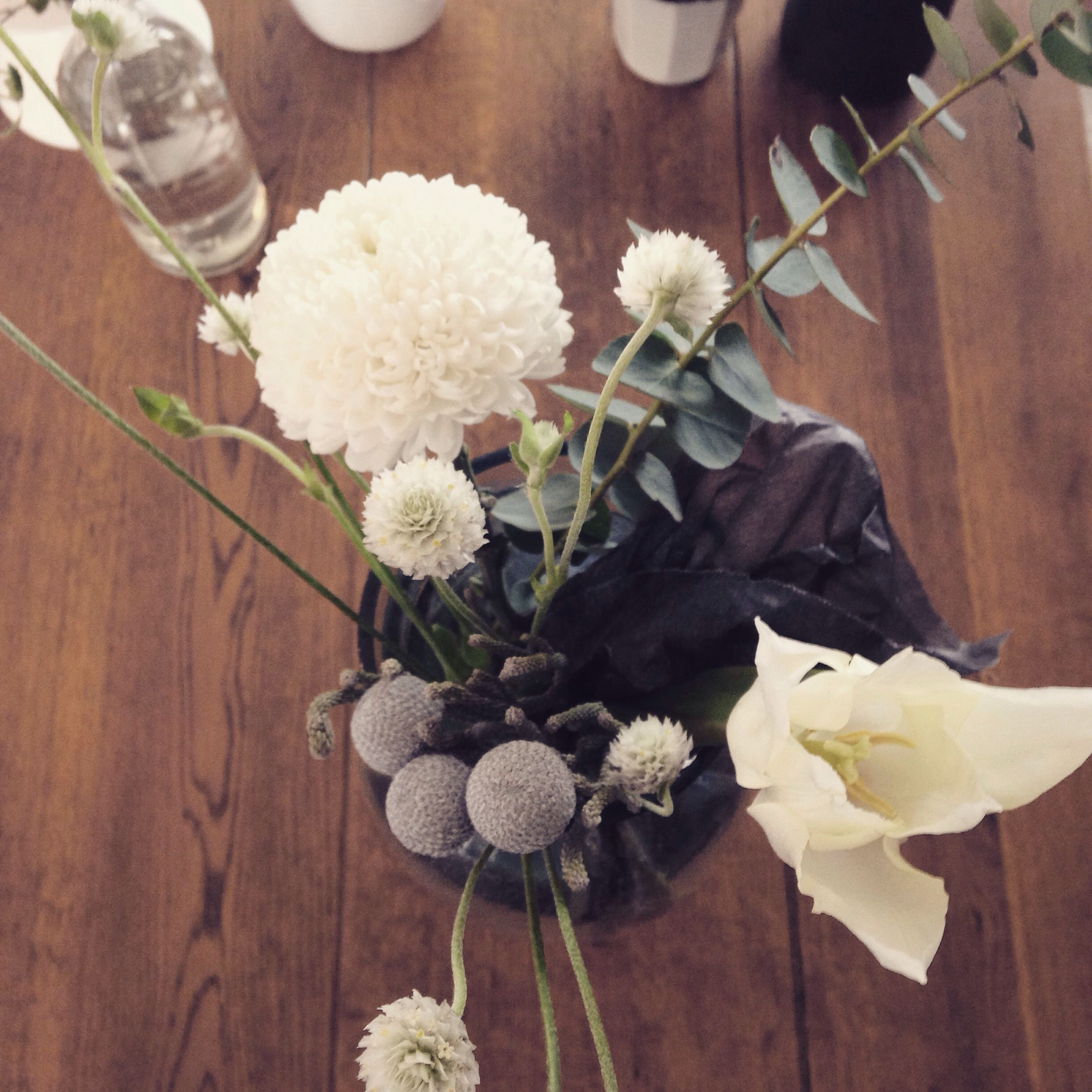 flower, petal, freshness, fragility, flower head, vase, indoors, high angle view, bouquet, bunch of flowers, beauty in nature, flower arrangement, blooming, plant, rose - flower, white color, nature, growth, decoration, table