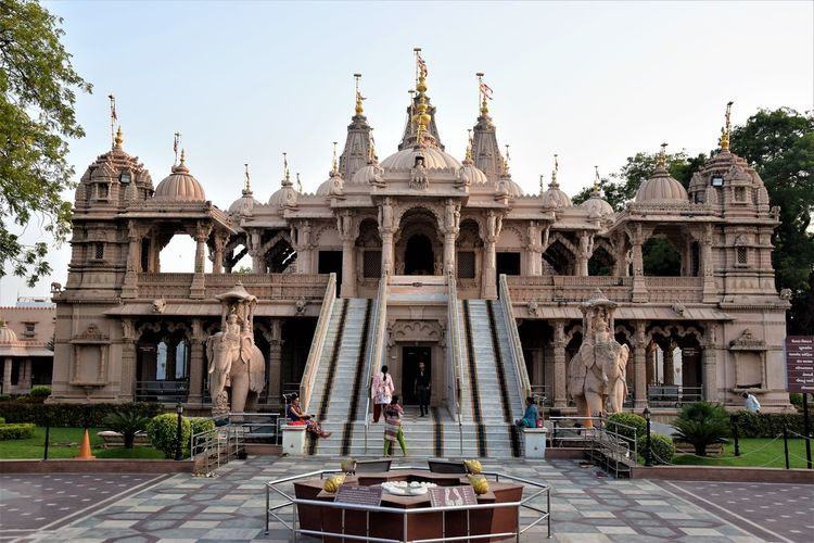 Place of worship Architecture Built Structure Building Exterior History Travel Destinations Sky The Past Travel Nature Tourism Religion Belief Building Clear Sky Day Place Of Worship Spirituality Façade Outdoors Architectural Column Ornate