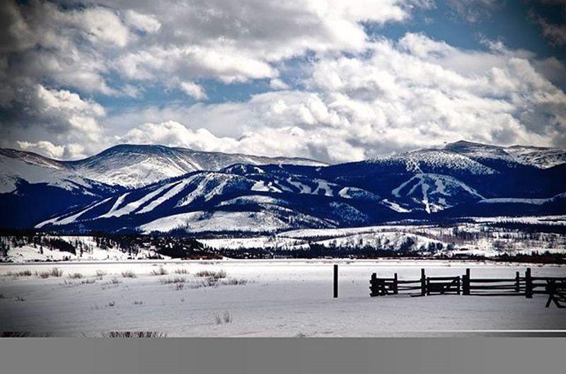 Beautiful day at the resort today! 🗻🏂 | | | Winterparkresort Snowboarding Ski Coloradocameraclub Coloradogram Coloradotography In2nature Pentaxian Pentaxiansstandup2 Pentax Winterpark Naturegram Keepexploring Explore Denverliving WeLiveToExplore Colorfulcolorado