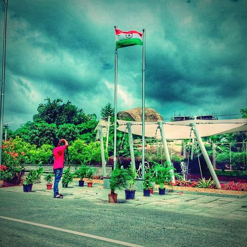 Flag Patriotism Independence Day Salute To The Flag Cloud - Sky Outdoors Techmahindra