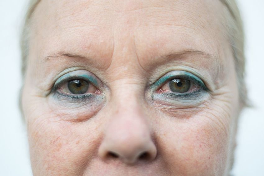 Human Eye One Person Close-up Looking At Camera Human Body Part Portrait Human Face Eyebrow Eyesight Real People Indoors  Men Eyeball Iris - Eye Eyelash Day People Portraiture Face Portraits Portrait Photography Looking At Camera Wrinkled Portrait Of A Woman Eyes Watching You This Is Aging