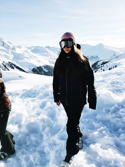 going to the mountains is going home Photography In The Mountains Lifestyles At The Top Of The Mountain Sun Shining Sunny Blue Sky Outdooractivities Outdoor White Nature Snow Snowboarding Mountains