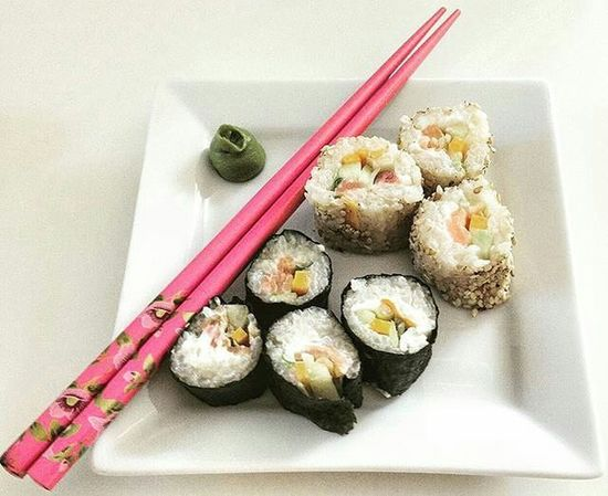 Homemade Sushi! Always a good idea! And it is very easy to do it! Homemade Sushi Japanesefood DIY Selfmade Hausgemacht Meal Lecker Instafood Sushirolls Wasabi Selbstgemacht Handgemacht Essen Angerichtet Essmich