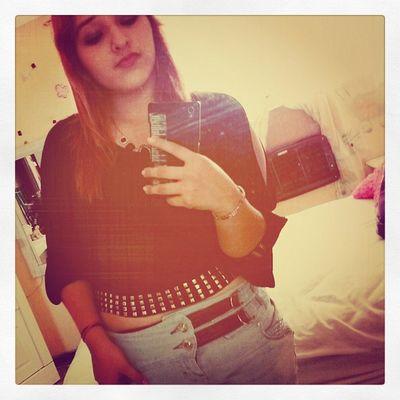 Hola;* estoy aburrida :(' Like y te hablo dd:p <3