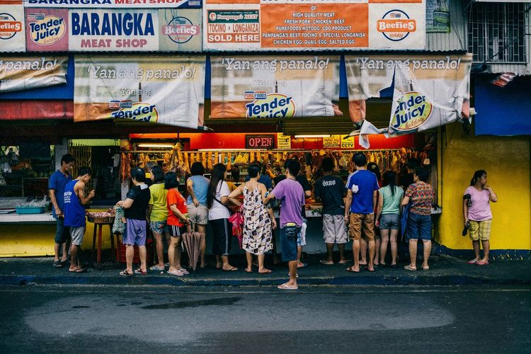 Meat up. Streets In Color Colors Of Life EyeEmBestPics Everyday Philippines Eye4photography  Showcase: January Eyeem Philippines Streetphotography EyeEm Best Shots Daily Life Human Condition People Everyday Everywhere Real People