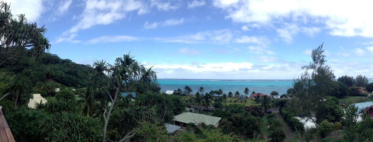 The sea … 🏝 From Moorea