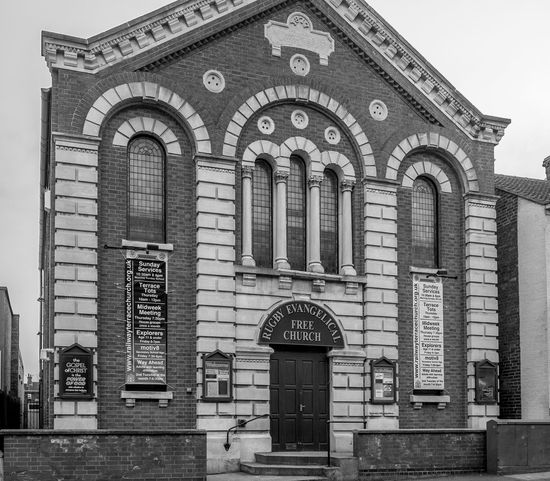 Rugby Free Evangelical Church, Railway Terrace, Rugby, Warwickshire Chapel Church Churches Architecture Monochrome FUJIFILM X-T10 Black And White Rugbytown Rugby Warwickshire