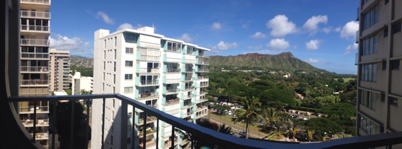 Look! There is a Diamond Head in front of the eyes!👀