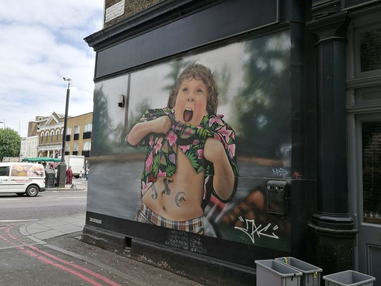 London Camden Spray Paint Wall - Building Feature Artistic Expression Graphitti Chunk The Goonies Goonies LONDON❤ Tummy Fat Child Childhood Childhood Memories MOVIE Hawaiian Shirt Exposed Grafitti Street Art Graffiti Wall Graffitiphotographer Graffitiwall Graffiti & Streetart
